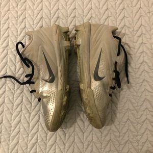 Nike Baseball Cleats - used size US 4